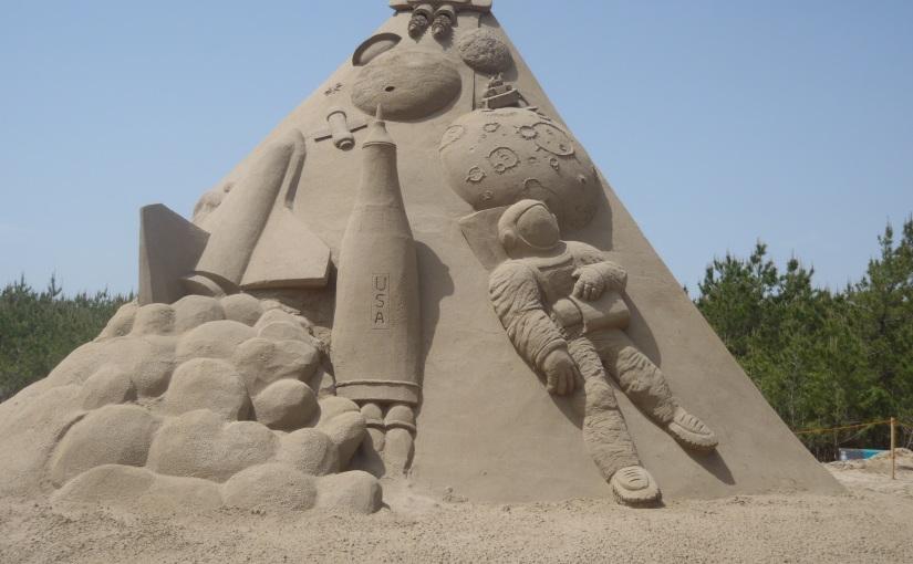 ハンチントン病の発病後に車イスで行った砂像見学